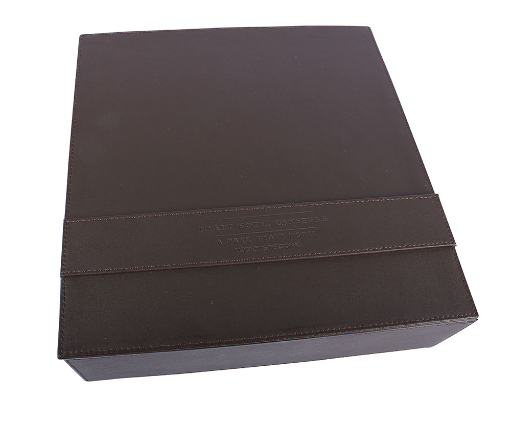 ab001-amenities-box-brown-leather-02